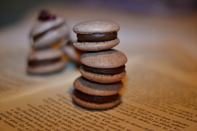 Chocolate macrons recipe