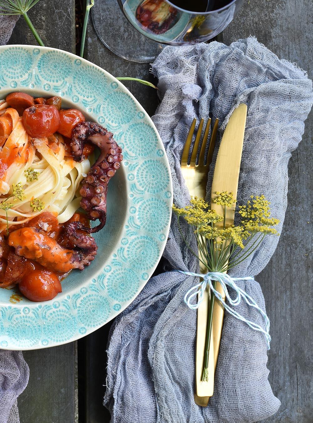 Pulpo Sous Vide mit Pasta und Chorizo – oder wie sich der Pulpo beinahe von allein macht