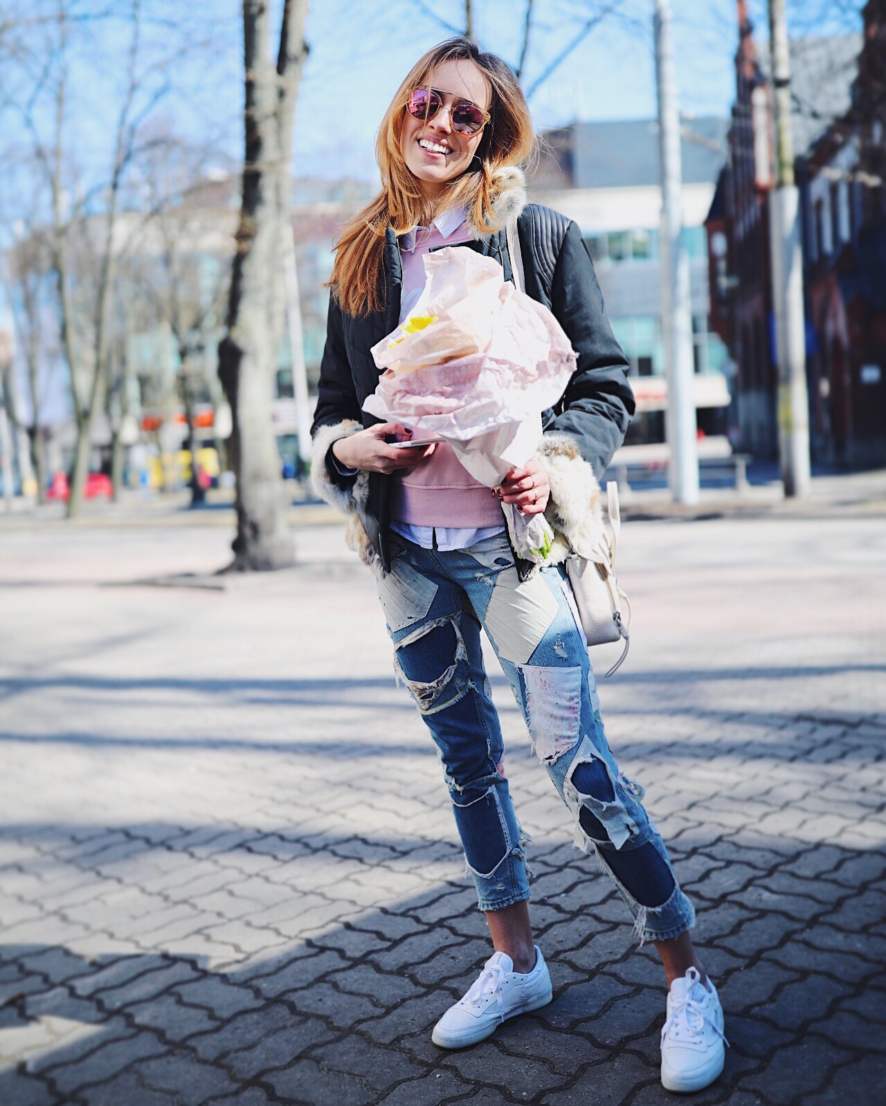 patch jeans outfit spring