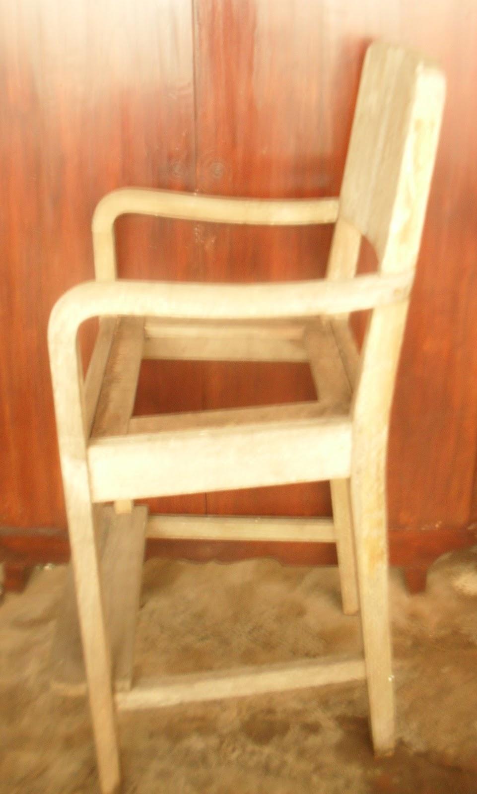 45 Model Kursi Potong Rambut Kayu  8364b7ac85