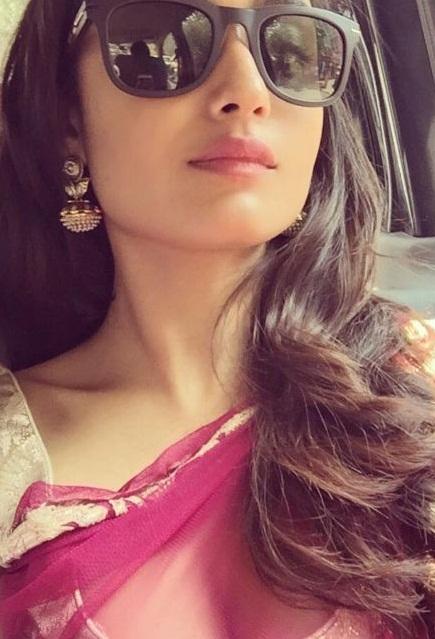 Tridha Choudhury Share Hot Photo on Instagram