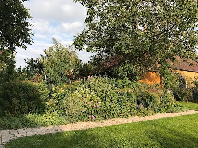 Herbststimmung im Landgarten (c) by Joachim Wenk