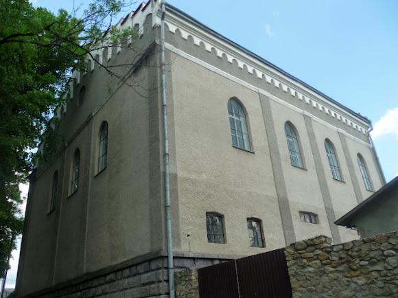 Долина. Колишня синагога. Молитовний будинок. Пам'ятник архітектури