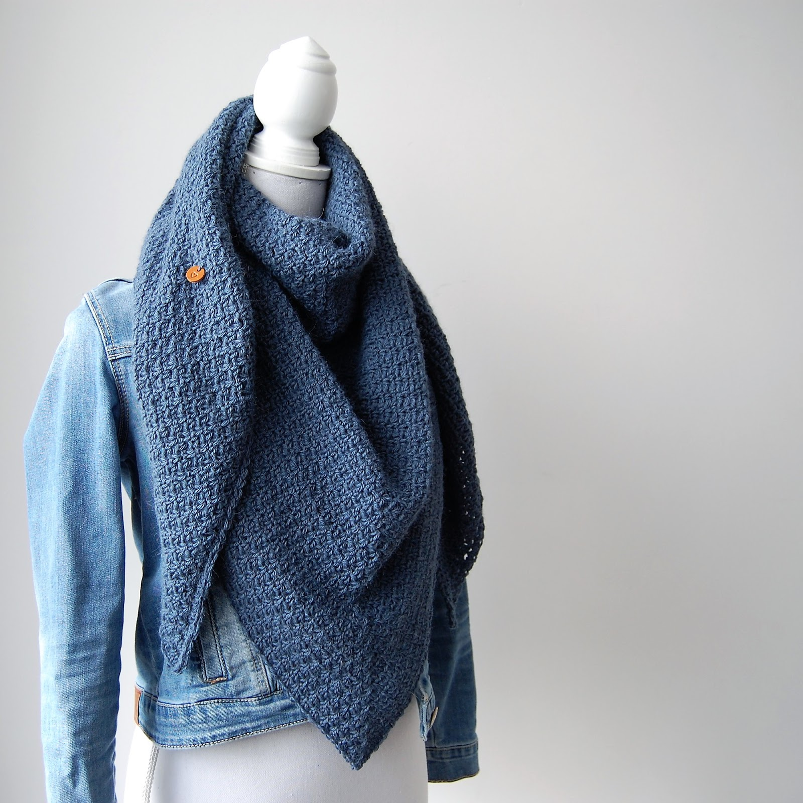 Haak By Daphne Denim Blauwe Sjaal