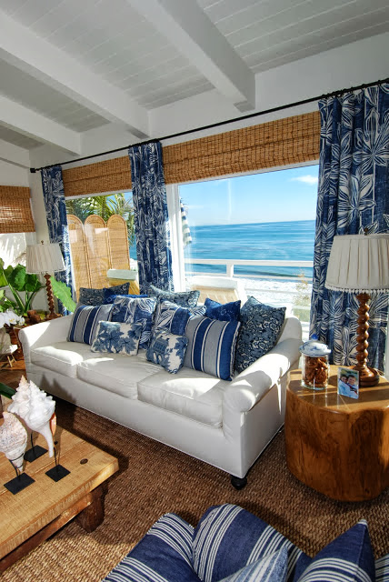 The glam pad 20 blue and white family living rooms - Beach house living room ...