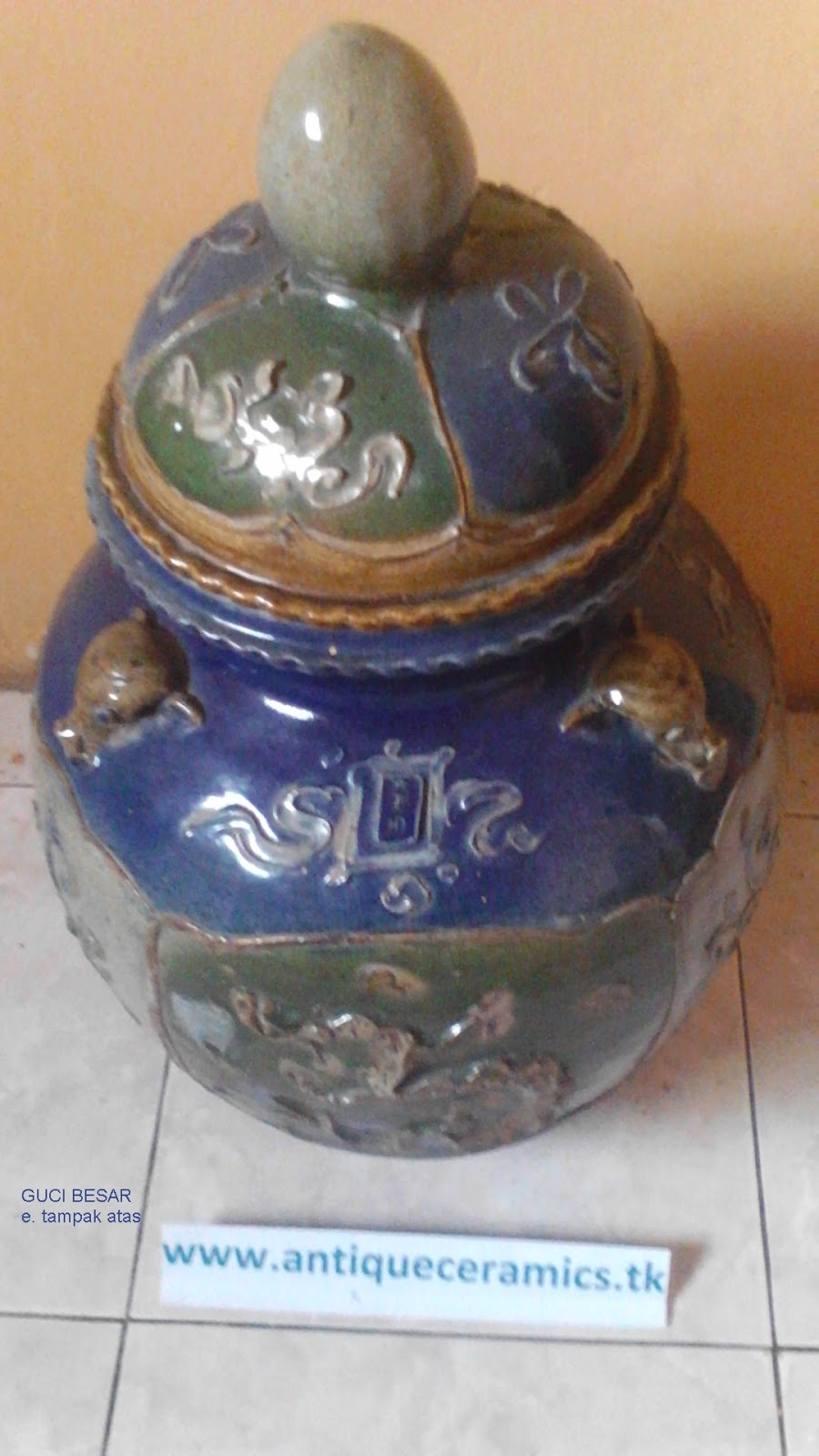 Antique Ceramics Chinese Jar Vase Gucci From Ming Dynasty And Early Collections