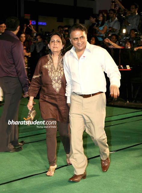 Sunil Gavaskar with His wife Marshneil