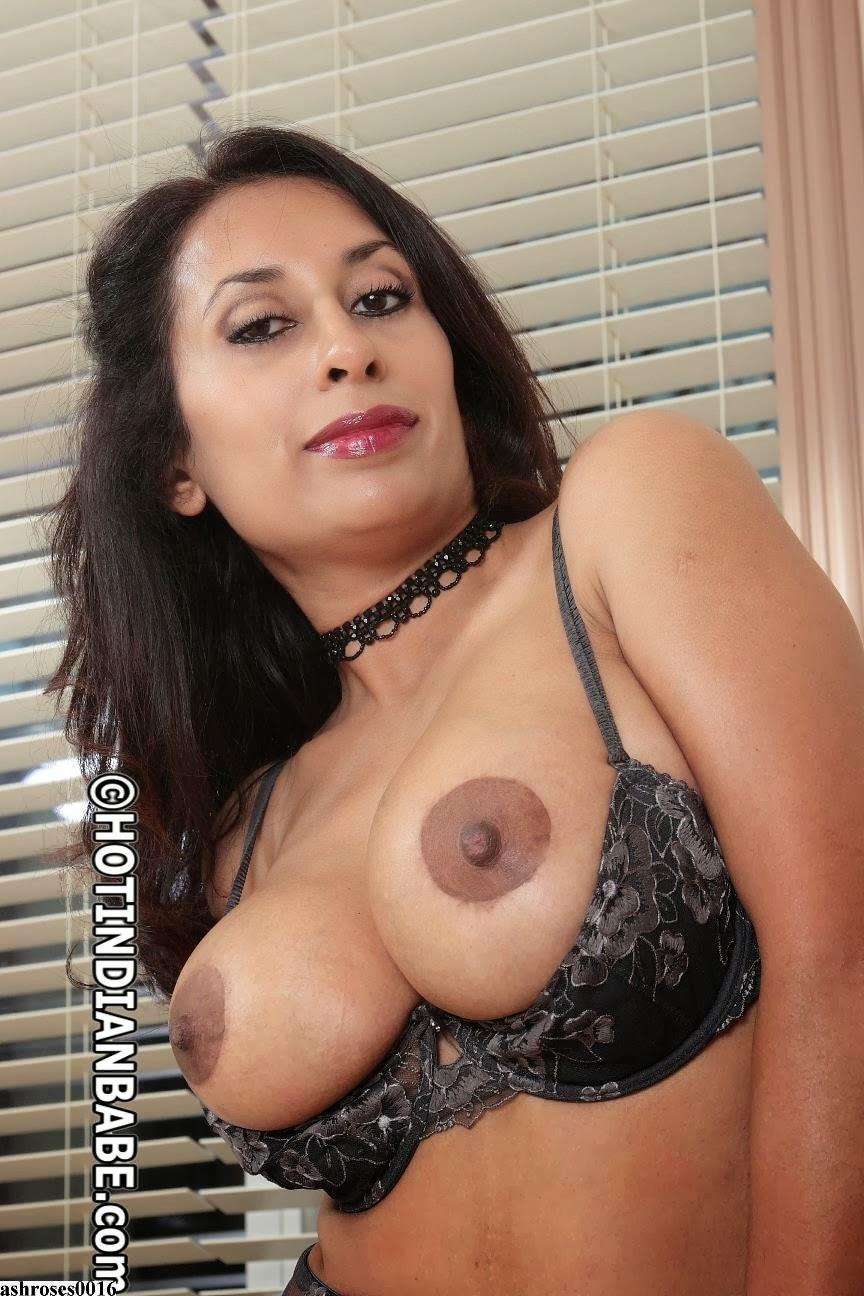 Desi girl boobs sucked fucked in bed by her boyfriend 10