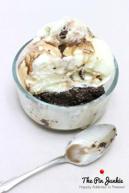 Skinny Chocolate Brownie Ice Cream Sundae