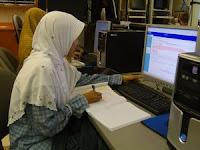 Fiqih Bekerja: Muslimah Berkarir, Boleh!