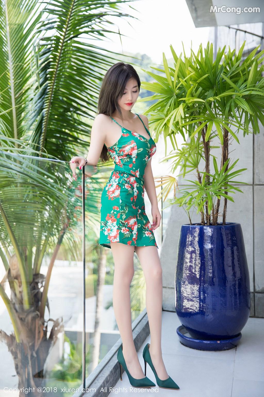 Image XIUREN-No.1196-Yang-Chen-Chen-sugar-MrCong.com-006 in post XIUREN No.1196: Người mẫu Yang Chen Chen (杨晨晨sugar) (53 ảnh)