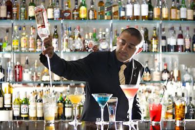 quầy pha chế ở Bar