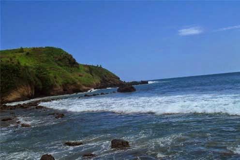 Pantai Ayah merupakan salah objek wisata pantai yang terletak Desa Ayah Pesona Keindahan Alam Pantai Ayah Kebumen