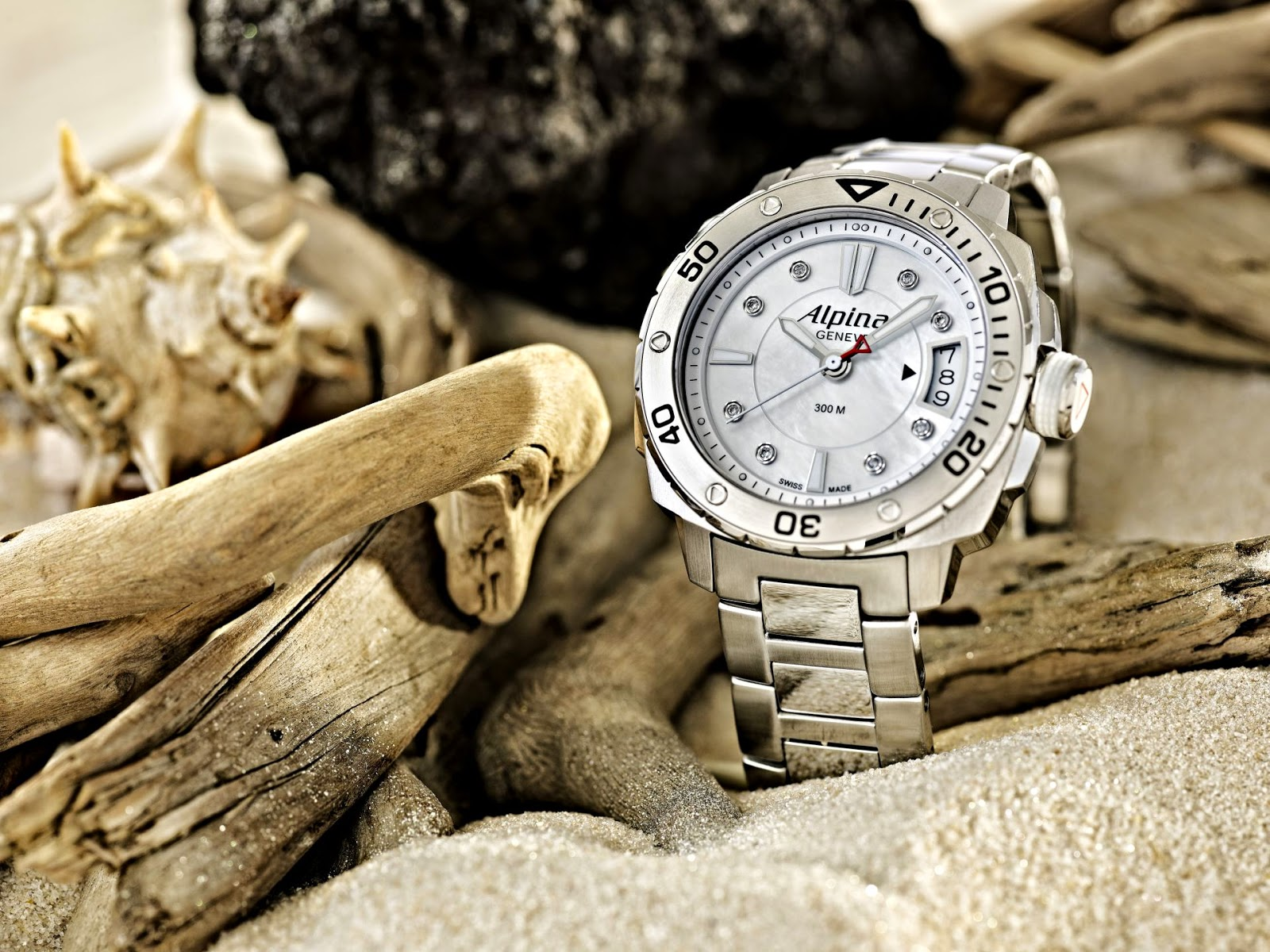 Alpina Diver Midsize Collection