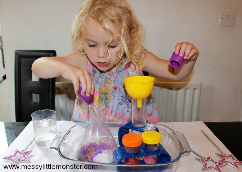 cool science experiments for kids - baking soda experiment for preschoolers