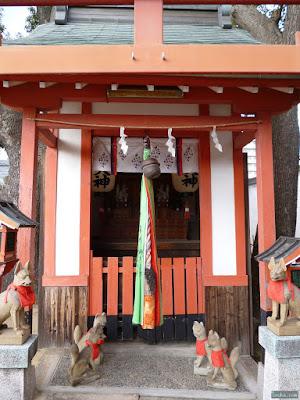 姫嶋神社楠社