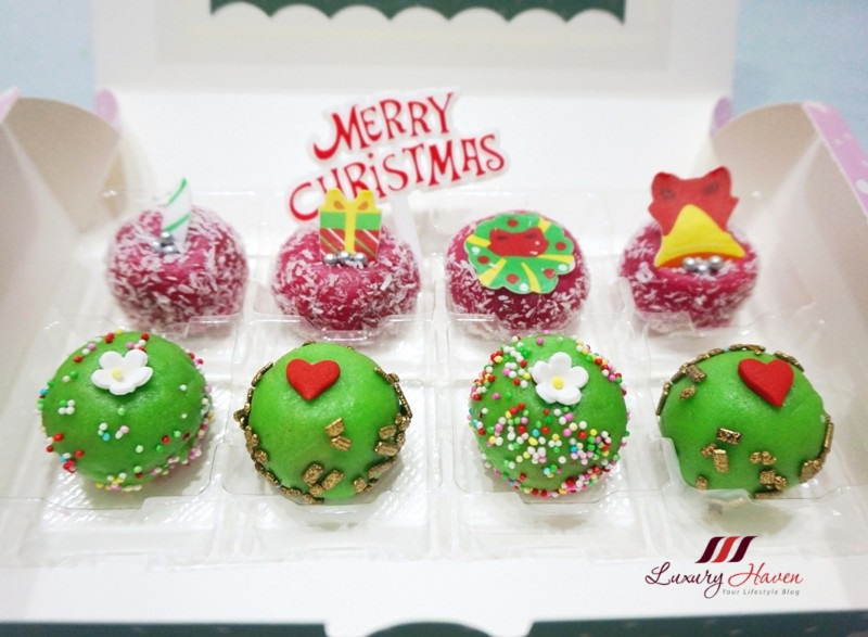 fruity christmas mini cakes recipe edible cake topper