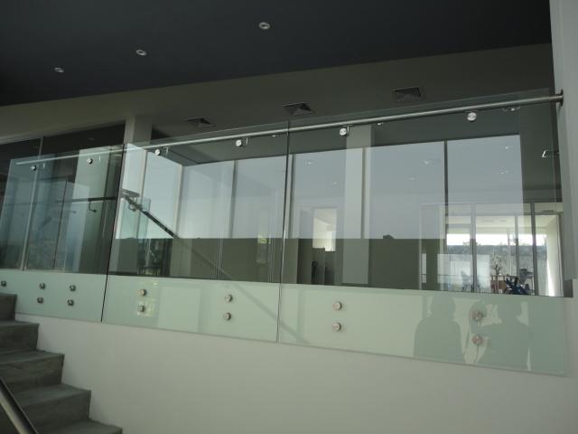Alk Industrias SA de CV Pasamanos