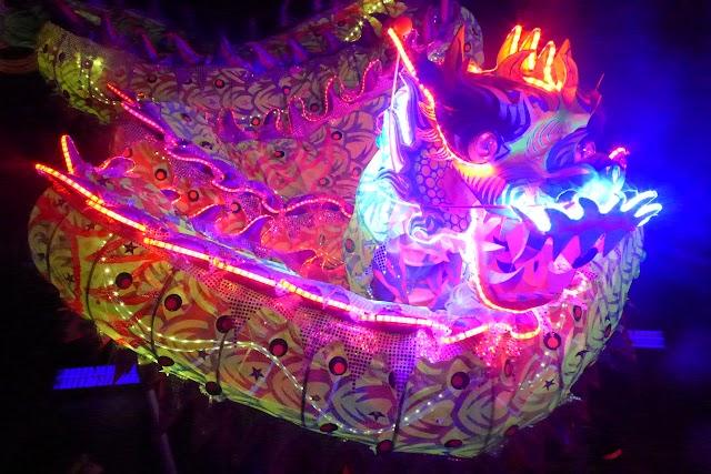 【傳統與新穎】LED火龍鼓舞迎中秋  利東街與眾同賀佳節賞滿月