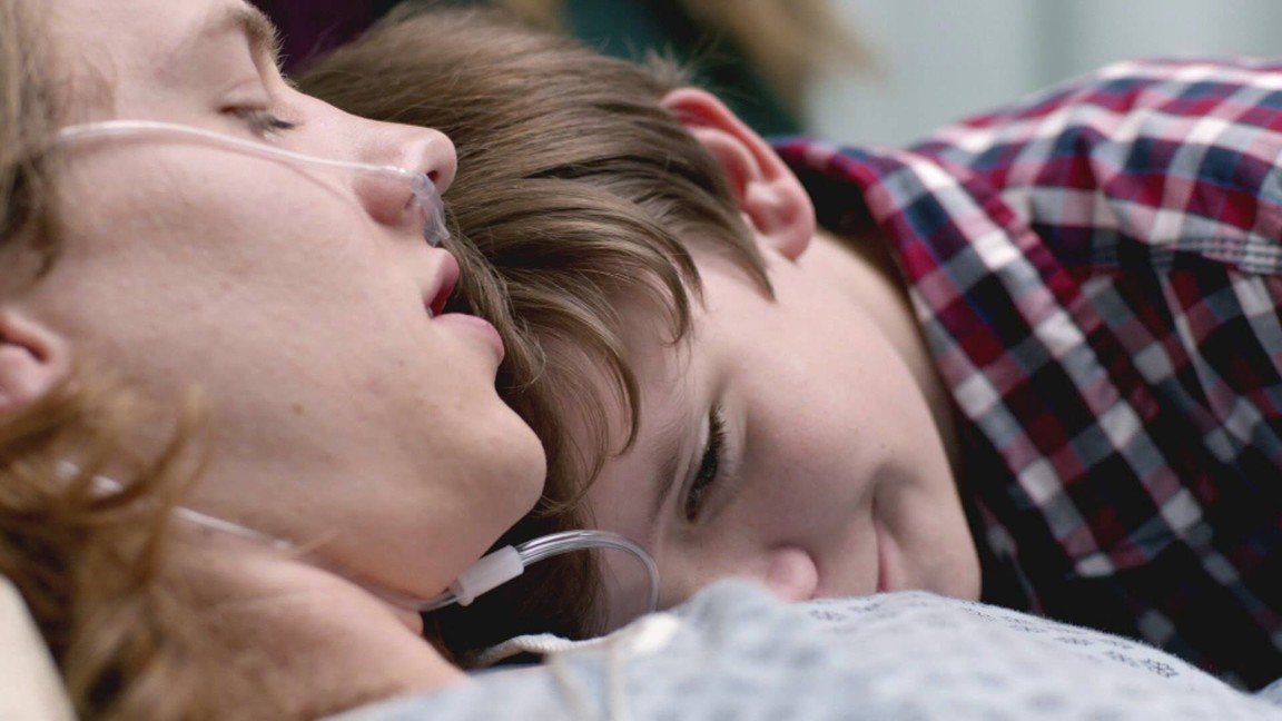 Finding Carter - Season 1 Episode 12: One Hour Photo