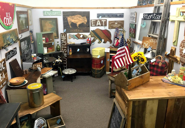 reclaimed wood, antiques, salvaged, booth display, my shop, barnwood,http://goo.gl/0Bl7XE