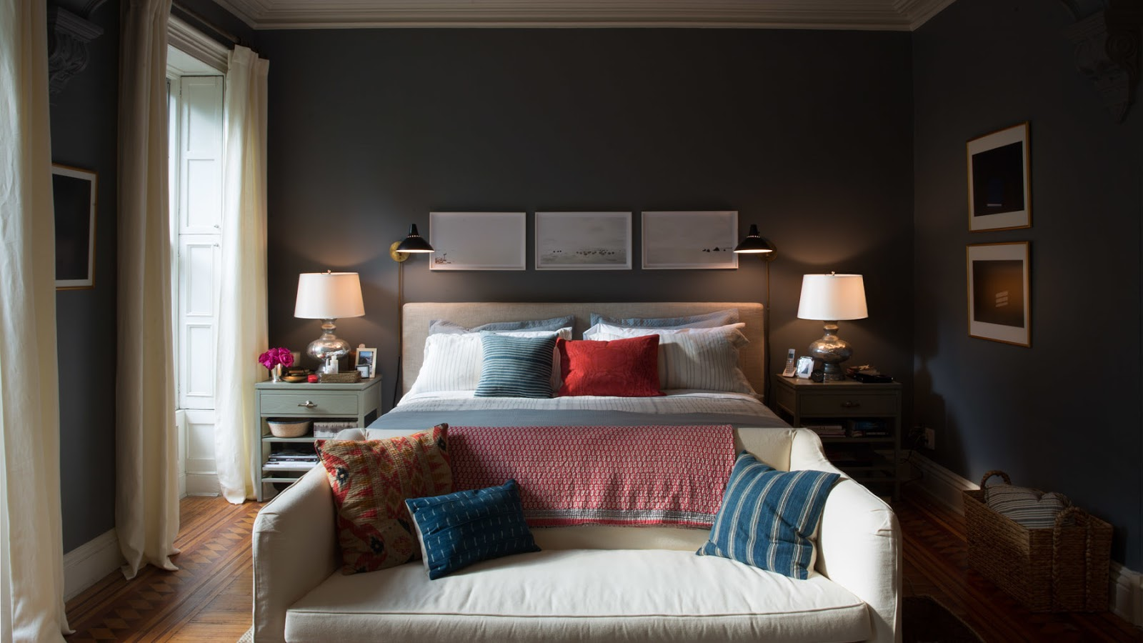 Juless Bedroom In The Intern Designed By Nancy Meyers Via Architectural Digest