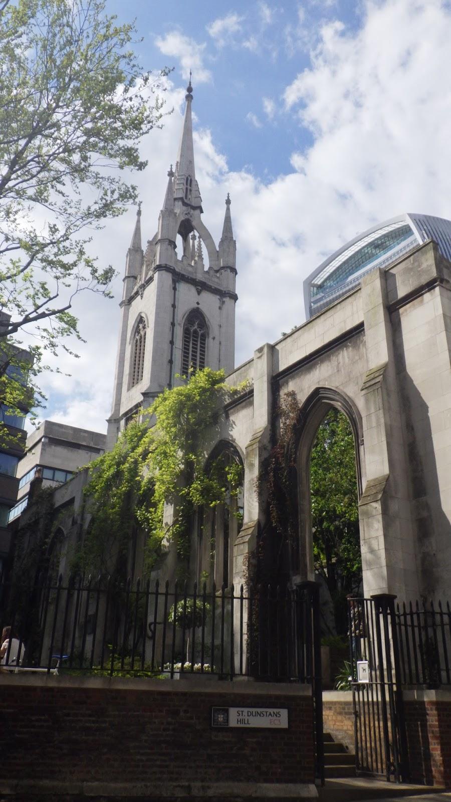 英國便り: 聖ダンスタン・イン・ザ・イースト教會跡