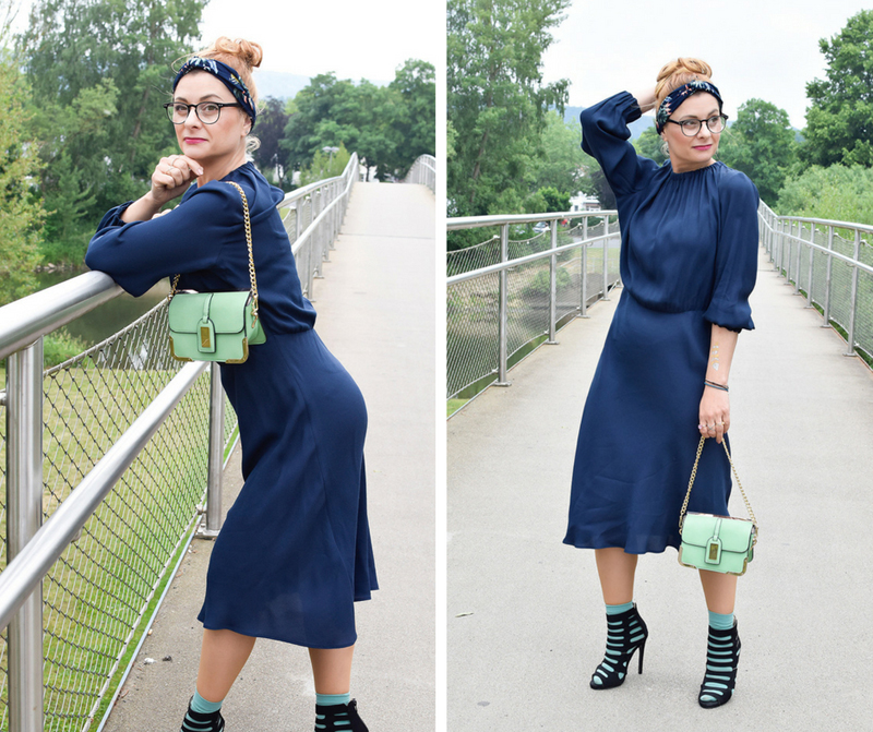 welches ist das perfekte Kleid, dunkelblaues Kleid stylen
