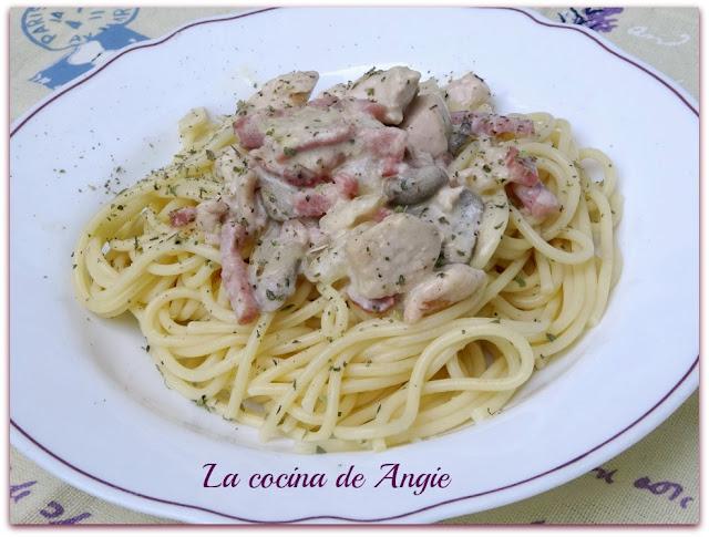 Espaguetis Con Pollo A La Carbonara
