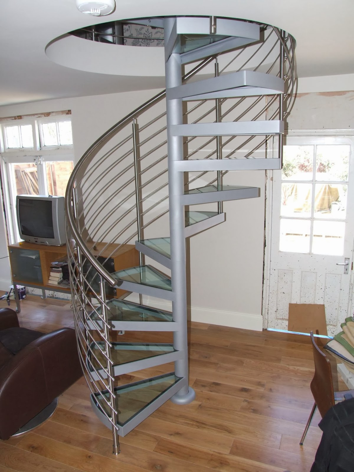 Foundation Dezin & Decor...: Spiral Beauty of Stairs.