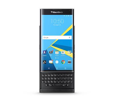 El BlackBerry Priv es el primer smartphone del fabricante canadiense en incluir por defecto el sistema operativo Android. Concretamente la versión Android 5.1.1 Lollipop. Su particularidad, además de la que desprende su diseño, se centra en la experiencia de usuario con las apps de la plataforma de Google y las de BlackBerry, tanto software como servicios. El apartado del diseño del nuevo BlackBerry Priv es uno de los más particulares del mercado puesto que la carcasa ofrece la funcionalidad de un smartphone con pantalla táctil, pero a su vez esconde en la parte trasera un teclado físico deslizante del tipo