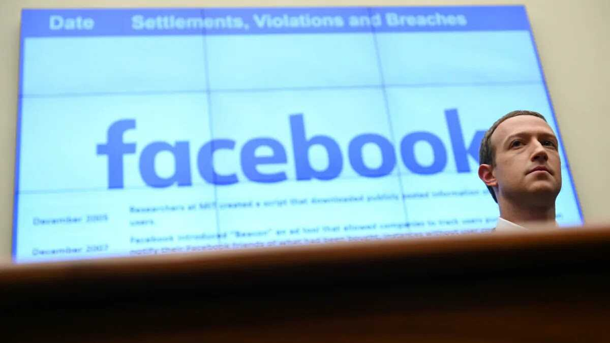 زوكربيرج سيقوم بمراجعة سياسات محتوى فايسبوك بعد مقتل جورج فلويد
