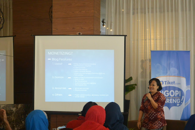 Carolina Ratri Affiliate Tiket.com #NgopiBarengTiket Jogja Complete Guide To Blog Monetizing