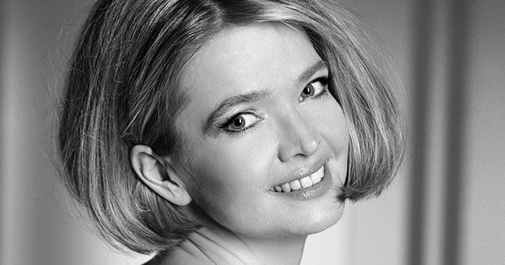 CELEBRITY MODELS NUDE: Julia Biedermann