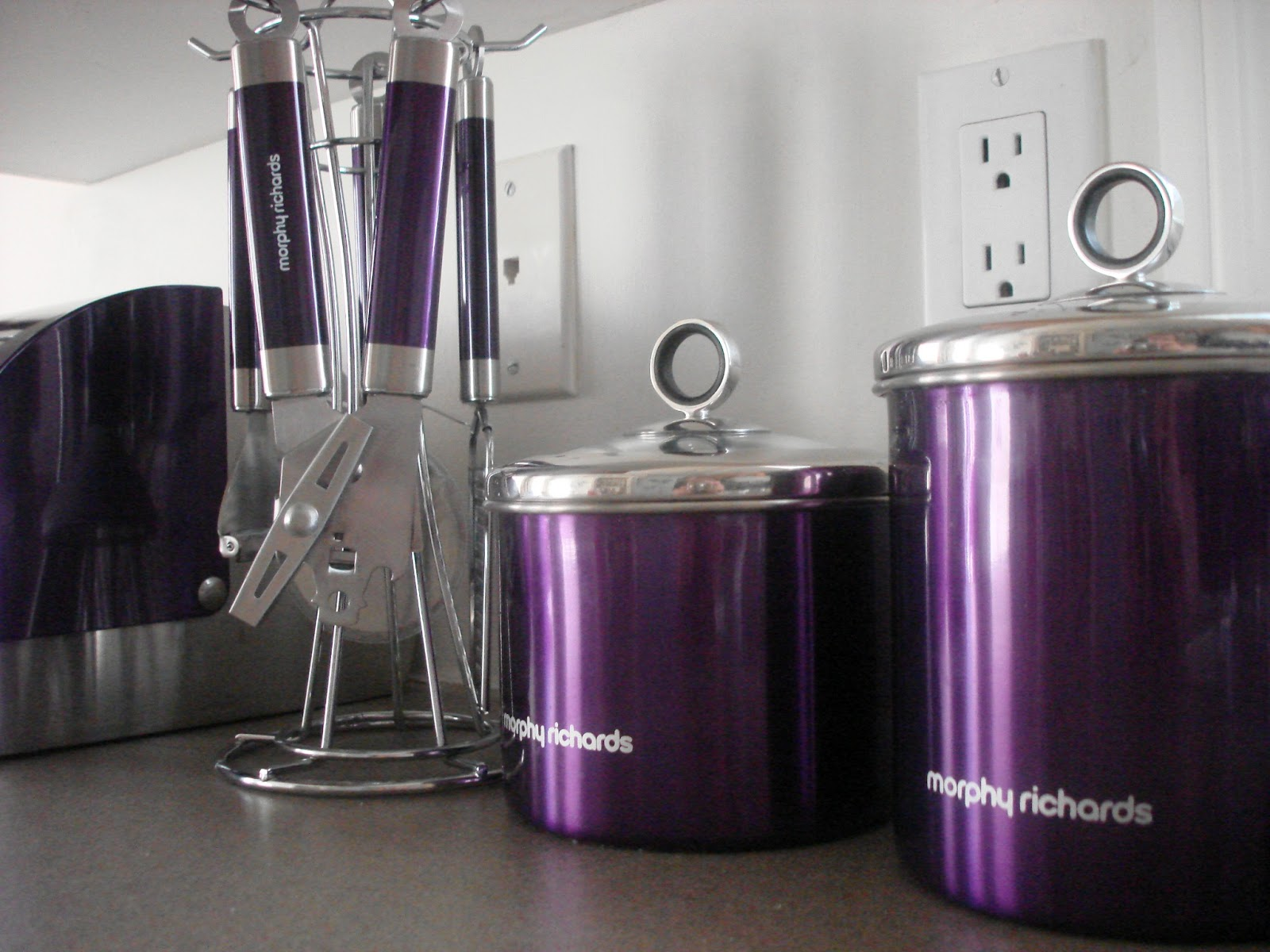 Cozy Purple Kitchen Accessories That Will Showcase Your Home