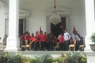 Jokowi Kucurkan Bonus Rp 200 Juta Untuk Para Pemain Timnas U-22