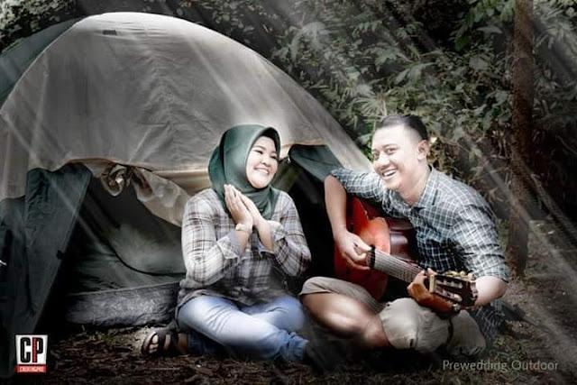 prewedding outdoor hutan kota