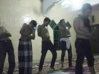 Enam Pemuda yang Lecehkan Gerakan Salat Itu Diserahkan Orang Tua ke Polisi