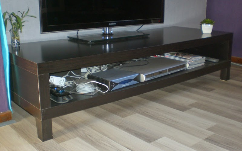 meuble tv laque noir ikea maison design. Black Bedroom Furniture Sets. Home Design Ideas