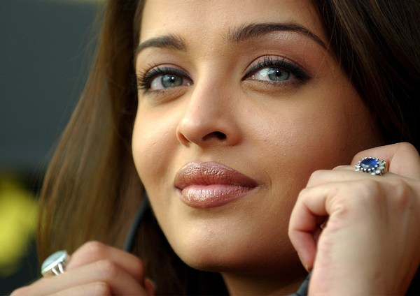 Aishwarya eyes photo
