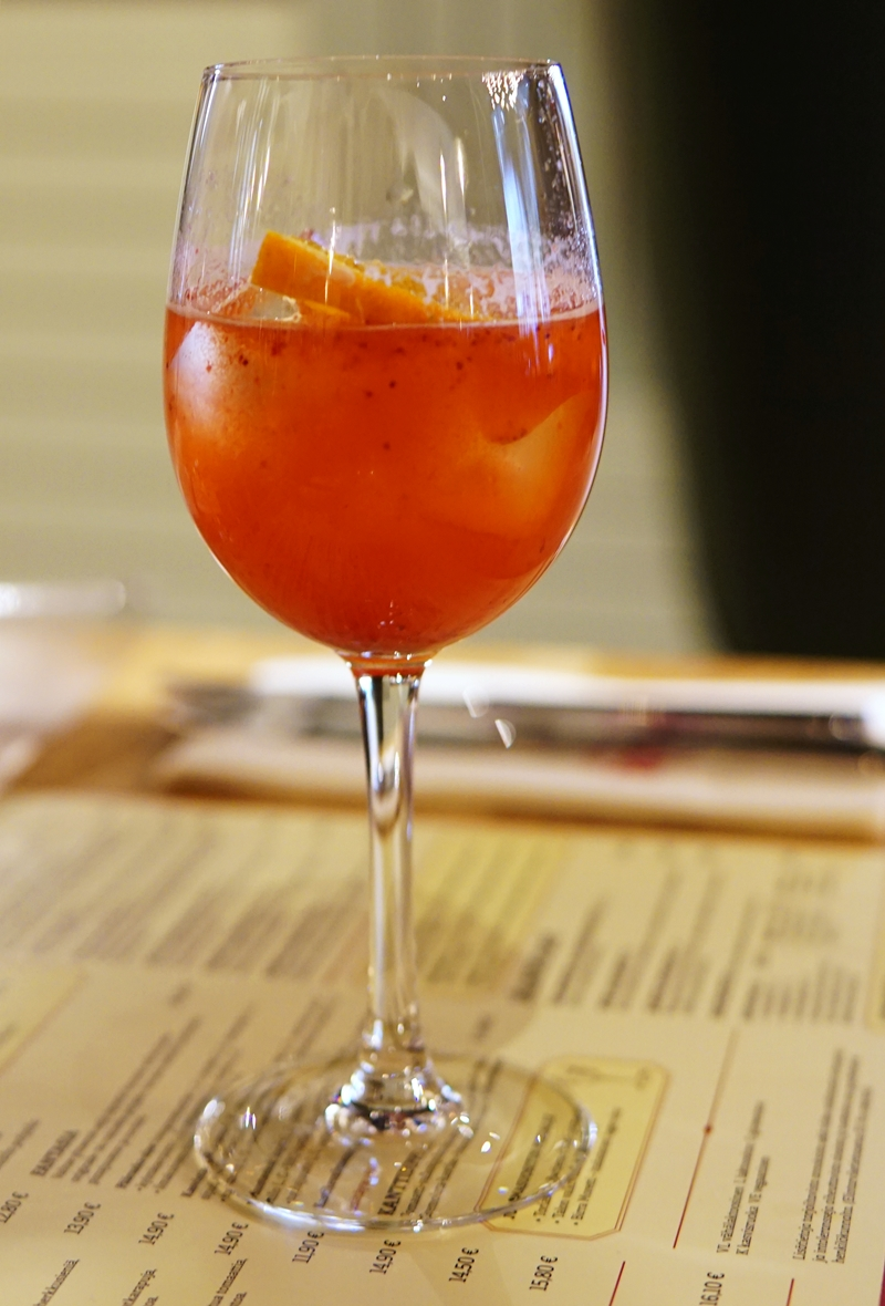 rosso, mocktail, iso omena