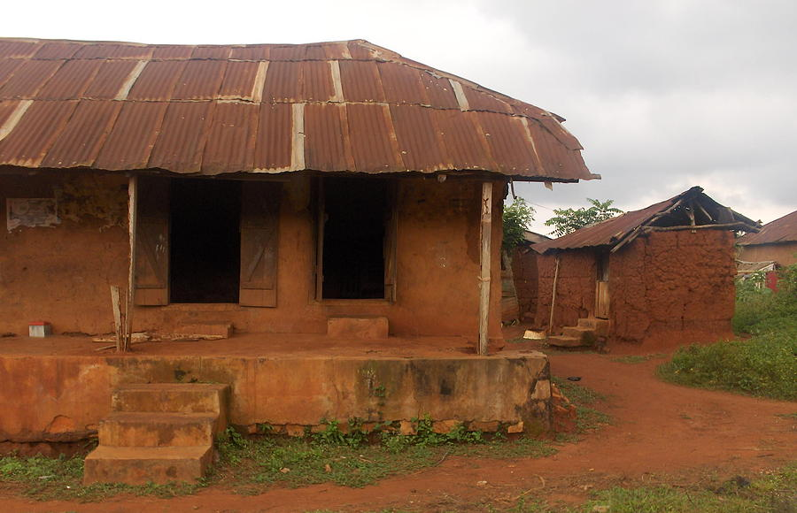 Nigeria set to phase out mud houses minister nigeria for Nigeria houses pictures