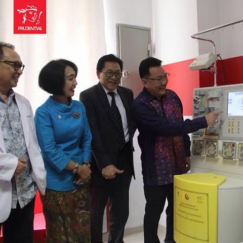 Prudential Bantu Anak Penderita Kanker Dengan Sumbang Mesin Apheresis di Makassar