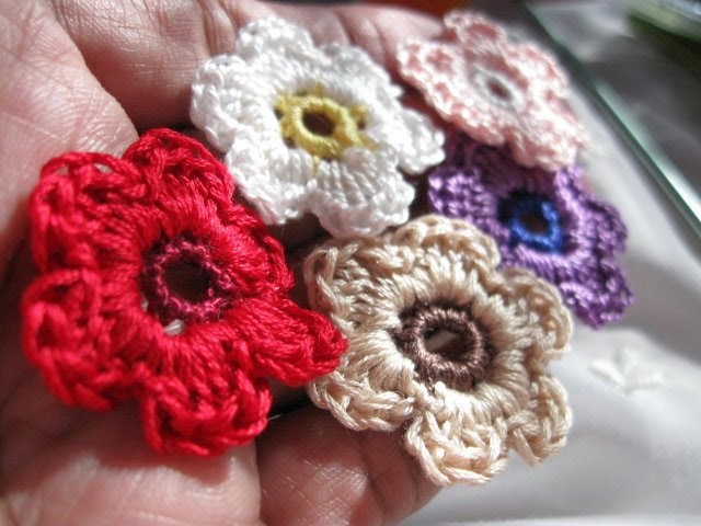 https://www.etsy.com/listing/230171526/crochet-flowers-45-piece-tiny-handmade?ref=shop_home_active_1