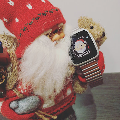 Santa dressing - Dynamic Xmas watchface for Pebble