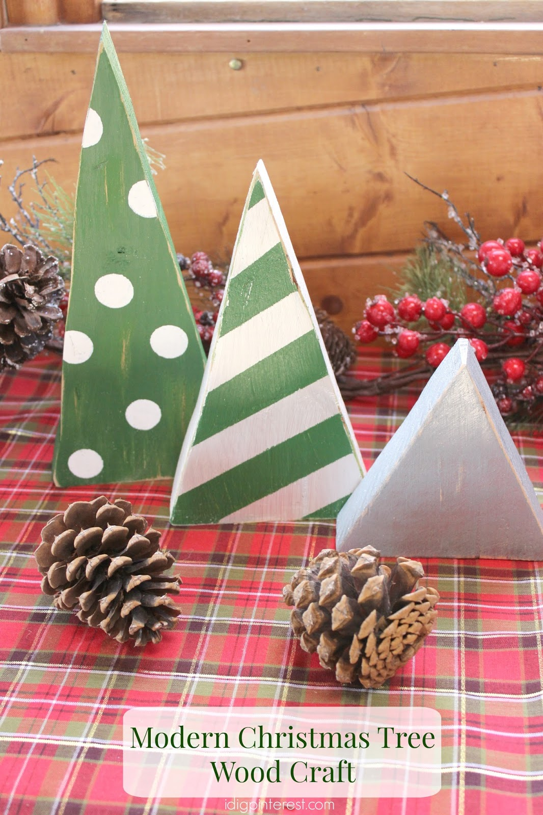 Modern Christmas Tree Wood Craft - I Dig Pinterest