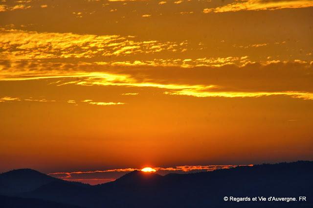 soleil couchant en Auvergne