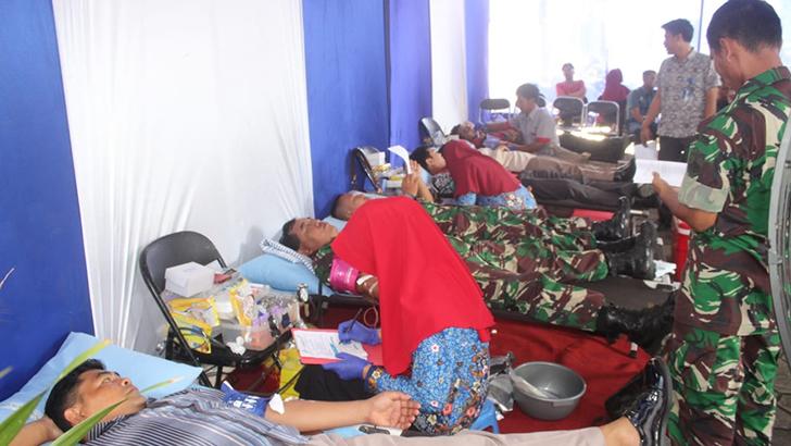 Personel Kodim 0703/Cilacap Terlibat Aksi Bakti Sosial Donor Darah Yang Digelar Bank Jateng Cilacap