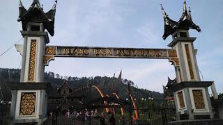 Pintu Gerbang Istana Pagaruyung, Padang, Sumbar