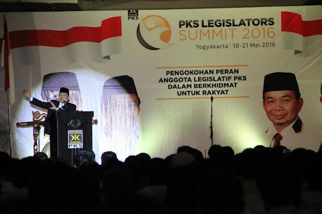 Tiga Makna Strategis Legislator Summit Menurut Ketua FPKS DPR RI Jazuli Juwaini